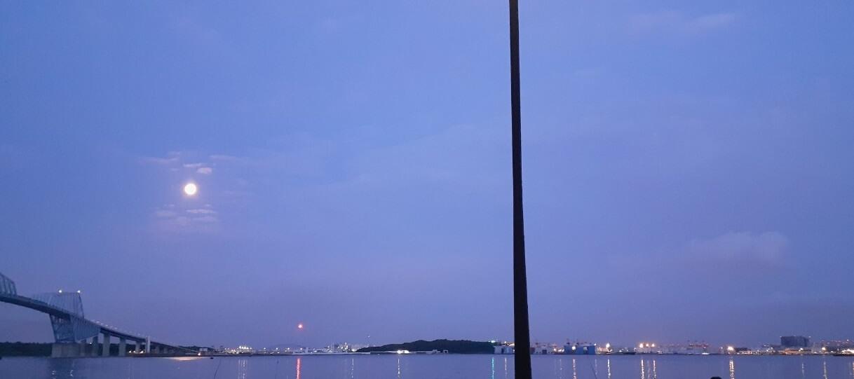 夜明けの若洲海浜公園